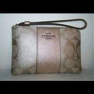 New Coach Signature Corner Zip Wristlet